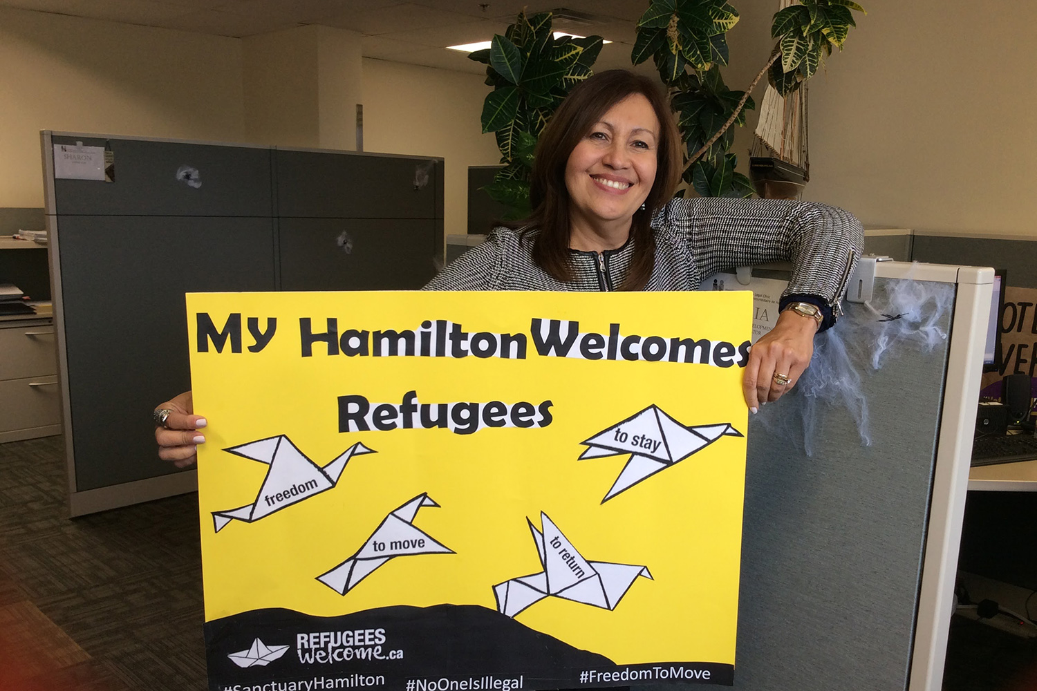 My Hamilton Welcomes Refugees Sign